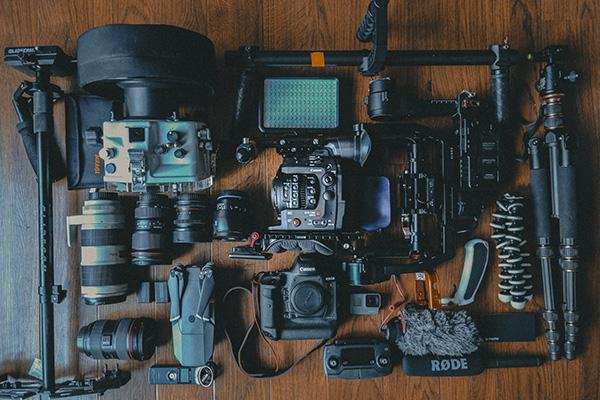 分解されているカメラ