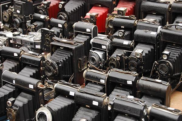 色々なカメラが並ぶ
