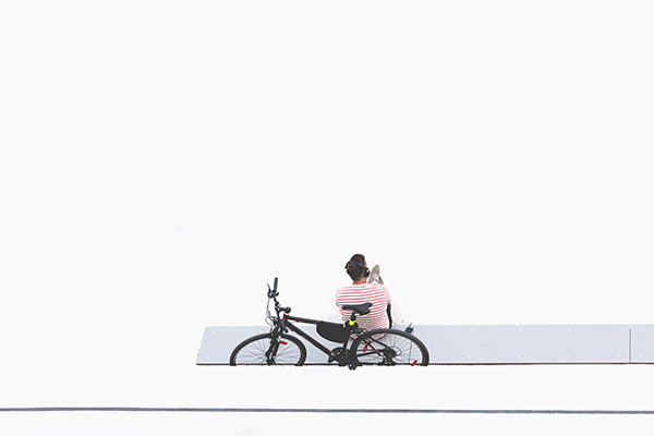 クロスバイクと男性