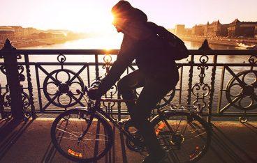 夕暮れとクロスバイク